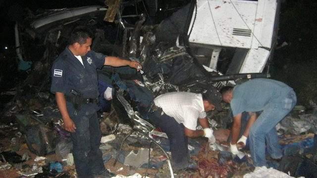 Un choque deja 43 muertos en México