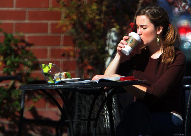 Los parques Disney ampliarán su oferta de bebidas con tiendas Starbucks en sus instalaciones.