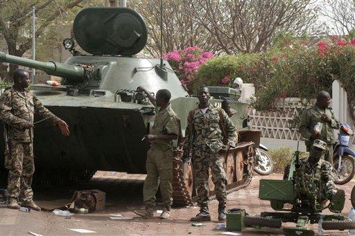 Presumiblemente los puestos de seguridad interior en el gobierno transitorio se enfocarán en lo militar.