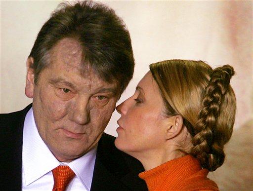 Timoshenko perdió poder tras su ruptura con el ex presidente ucraniano Yushchenko (izquierda).
