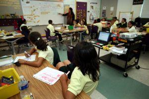 LAUSD podría imponer a maestros días sin goce de sueldo