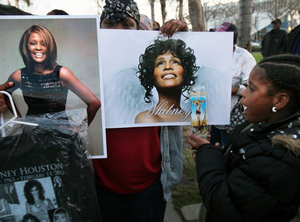 Despedida a Whitney Houston en Leimert Park Los Ángeles.