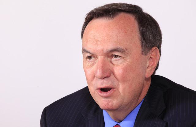 Mike Duke, ejecutivo principal de Walmart, en entrevista..