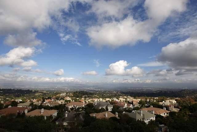 El 1 de enero de 2012, California contaba con 37 millones 679 mil habitantes.