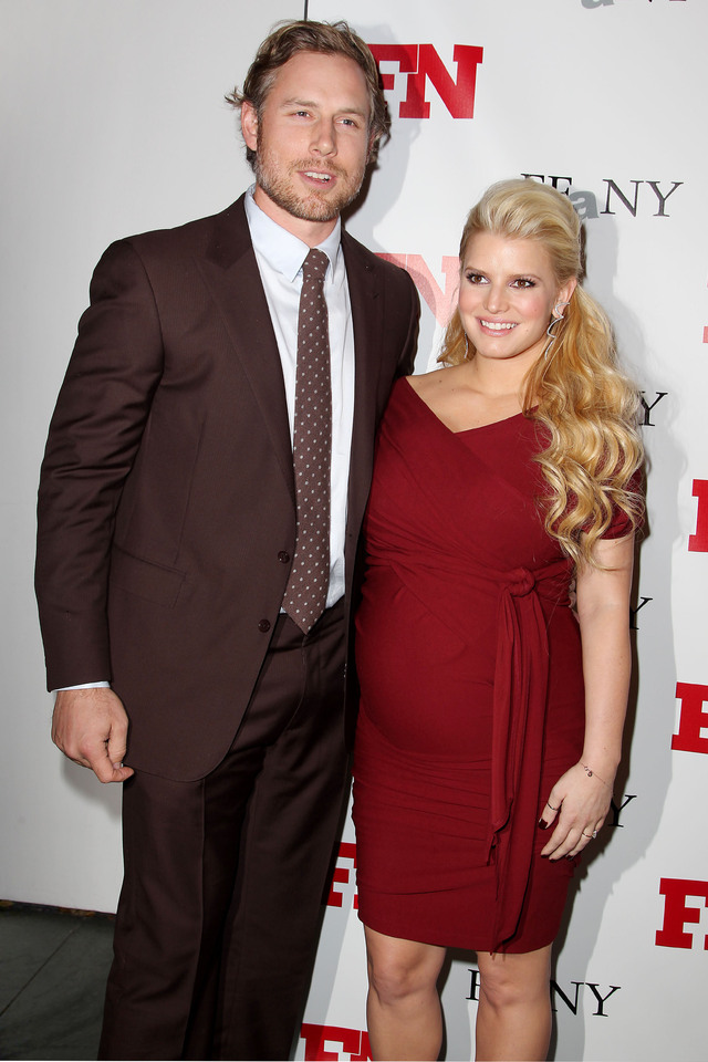 Eric Johnson y Jessica Simpson.