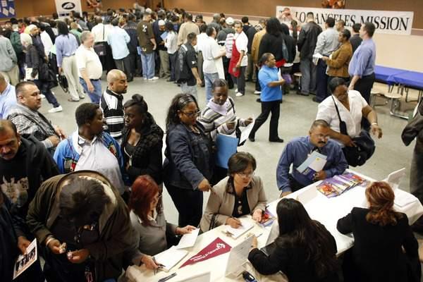 La falta de empleos es una de las mayores preocupaciones de los californianos.