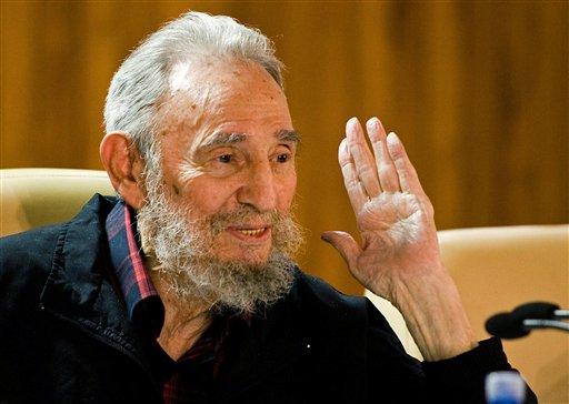 """Castro critica los """"colosales gastos"""" bélicos de Obama"""
