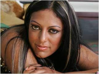 La cantante puertorriqueña India.