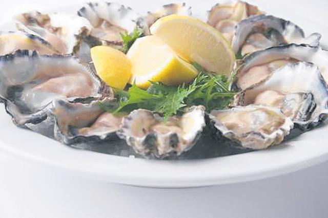 Estas son ostras tradicionales. Pero también se pueden preparar de otras formas, como en escabeche.