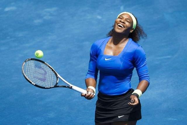 Partidaria Serena Williams de las bolas fluorescentes