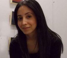 Artista rechaza la oscuridad en su exhibición