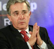 Uribe demandará a Mancuso por calumnia