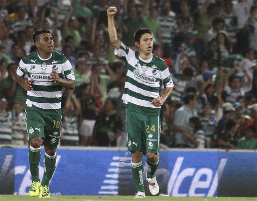 Peralta lleva a Santos a la final contra Monterrey