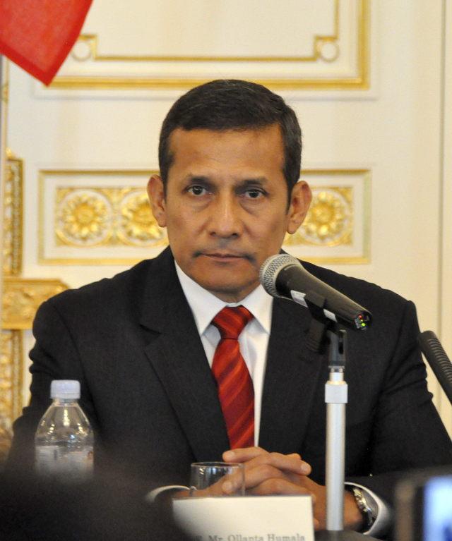 Humala recompone gabinete ministerial