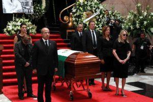 Trasladarán cenizas de Carlos Fuentes a París