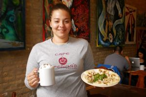Arepas colombianas atraen paladares exigentes en Chicago