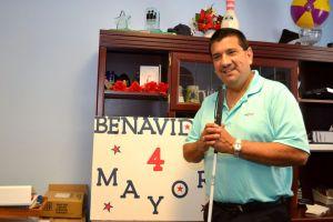 Enfermo visual hispano aspira a Riverside