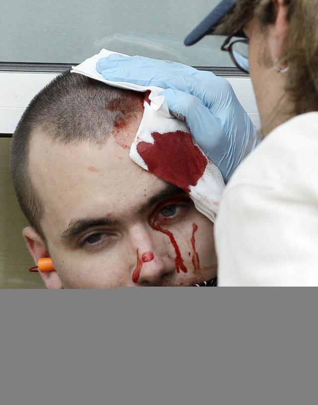 Heridos y decenas de detenidos