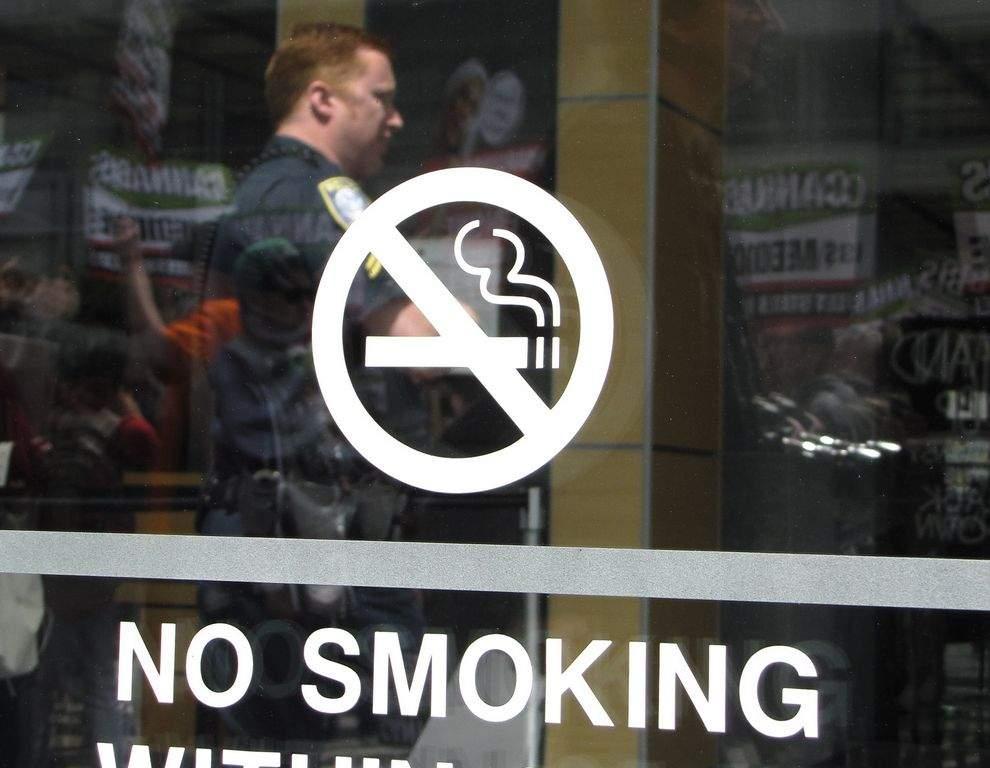 Aumento a cigarros;  California votará