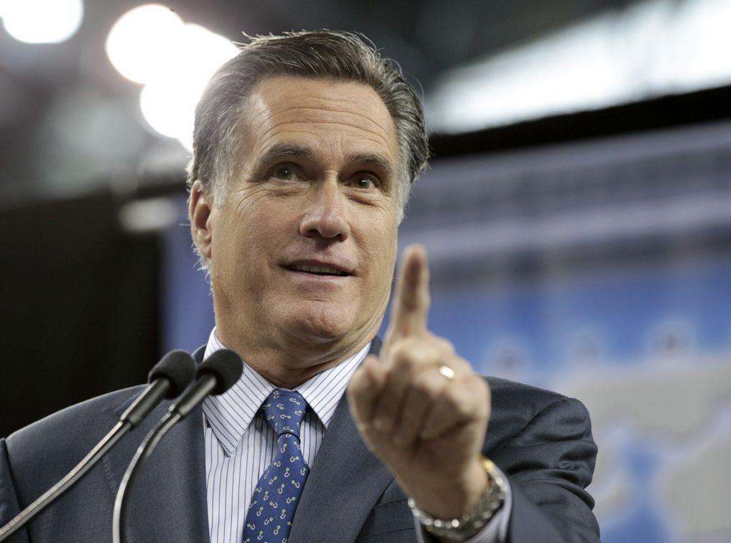 Romney alcanza a Obama en recaudación de fondos