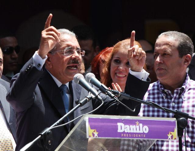 Danilo Medina celebra su elección  en Dominicana