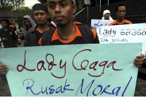 Confundida Lady Gaga sobre si se presentará o no en Indonesia