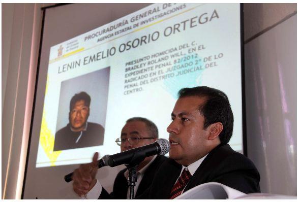 Manuel de Jesús López, procurador de justicia del estado de Oaxaca, presentó por medio de imagen digital a al Lenin Emelio Osorio Ortega.