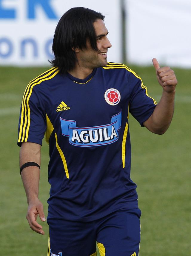 Radamel Falcao podría quedar fuera del juego  ante Perú.