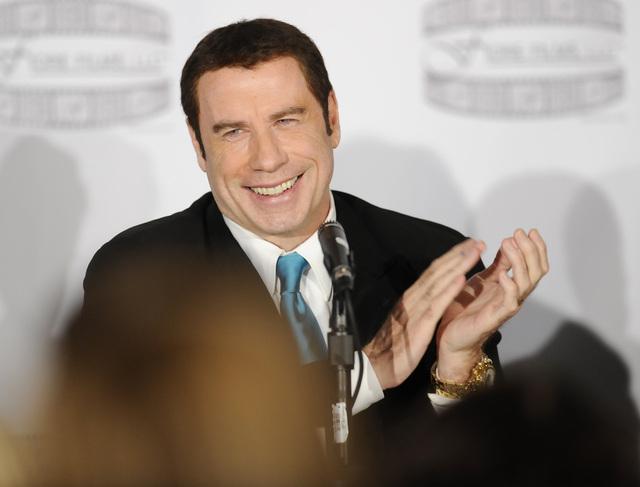 John Travolta sigue defendiéndose de las acusaciones recientes de varios masajistas.
