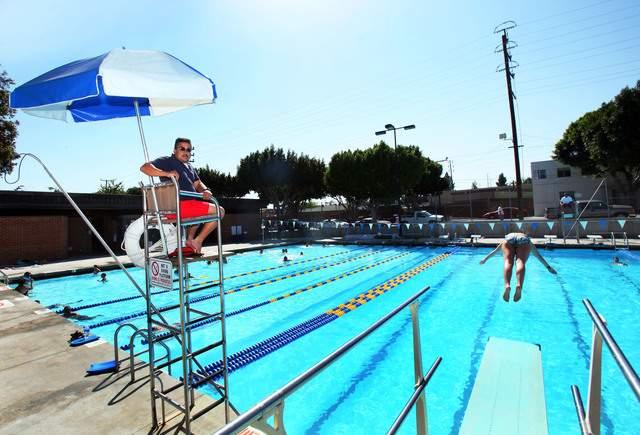 Aprender a nadar es una necesidad vital