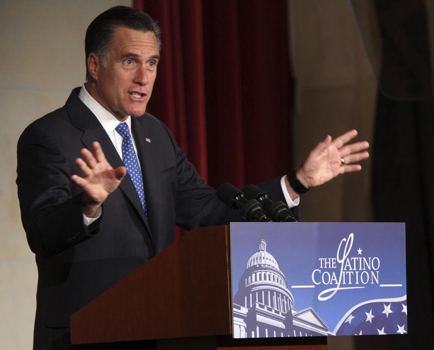 Romney busca a los latinos