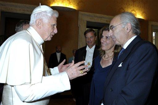 El Banco del Vaticano destituye a su Presidente