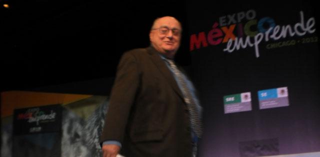 El conferencista David Konzevik, depués de su disertación en la Expo México Emprende desarrollada esta vez en Chicago.
