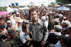 Periodista asegura que la guerrilla lo trató bien