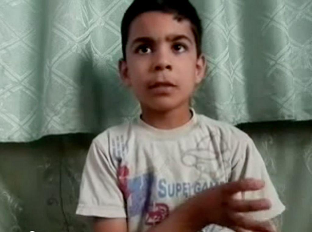 Ali el-Sayed sobrevivió a la matanza untándose sangre de su hermano.
