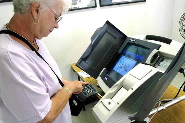 Al votar, los ciudadanos tendrán la posibilidad de escoger a cualquier aspirante, aunque no sea de su  partido.