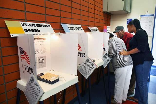 Las  urnas  lucieron semivacías durante gran parte de la jornada electoral.