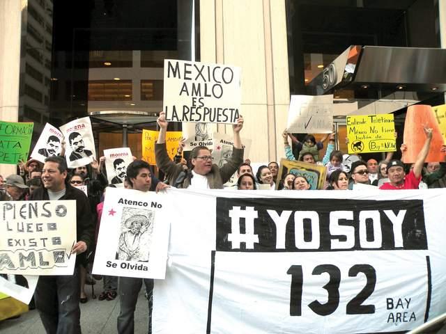 Unas 70 personas protestaron frente a Univision SF para exigir una mejor cobertura del proceso electoral mexicano.
