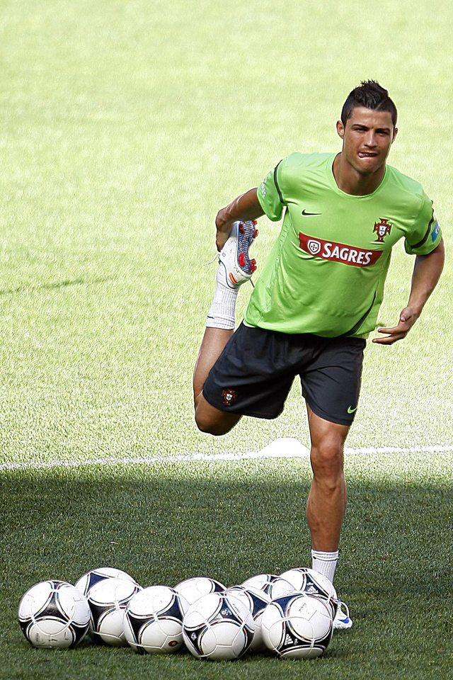 Al parecer Cristiano Ronaldo ya digirió la primera derrota.
