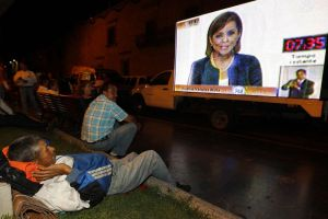 """Vázquez Mota festeja su """"victoria"""" en debate"""