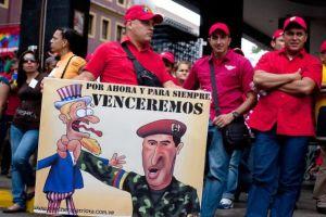 Chávez disipa toda duda y sale en camión a inscribirse