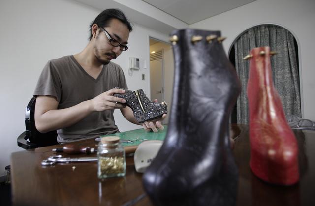 El diseñador de zapatos Noritaka Tatehana.