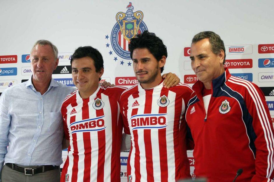"Chivas presenta a ""Lucho"" Pérez y a Márquez Lugo"