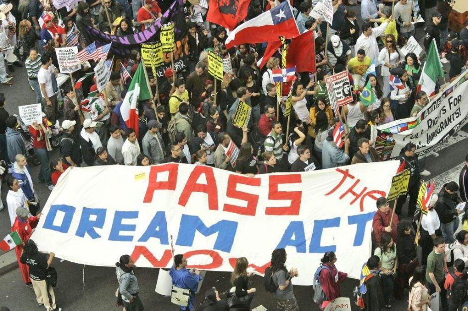 Conoce cómo solicitar beneficio de imigración para estudiantes