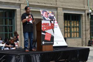 Demandan escuelas de calidad en barrios de minorías