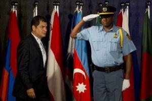 Correa pide compensaciones medioambientales en Río+20