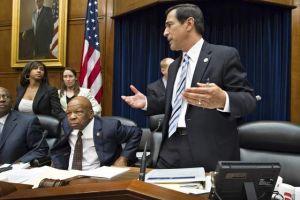 Votan  contra el procurador Eric Holder