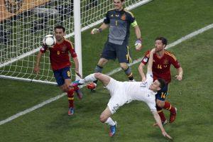 Xabi Alonso sella victoria de España sobre Francia