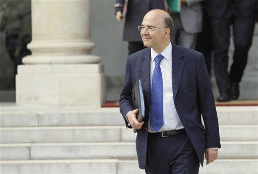 El ministro francés Pierre Moscovici se muestra receptivo a la idea de crear eurobonos de deuda.