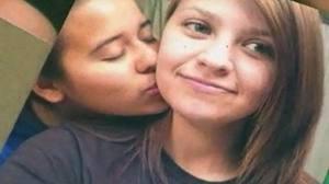 Olgin (atrás) murió de un balazo en la cabeza y Chapa fue trasladada a un hospital de Corpus Christi, donde fue sometida a una intervención quirúrgica y este miércoles su estado de salud fue reportado como estable.